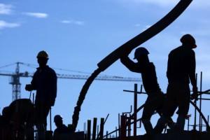 Miliardowe zaległości w branży. Co siódmy budowlaniec opóźnia płatności