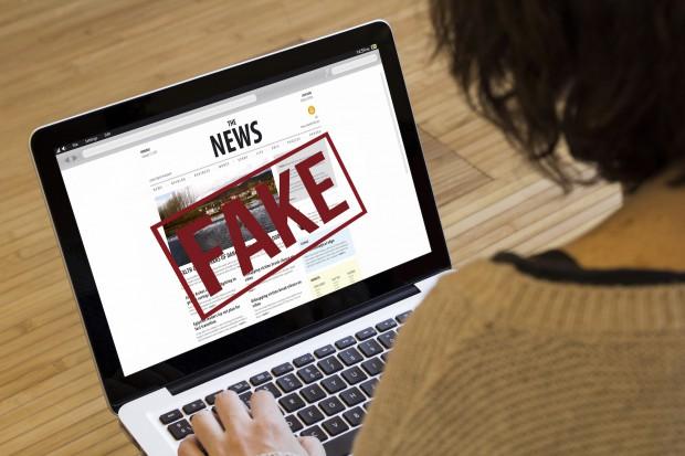 Ministerstwo cyfryzacji chce walczyć z fake newsami