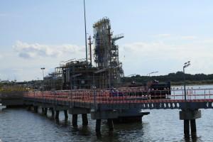 Punkt odbioru LNG. To tu cumują statki ze skroplonym gazem.