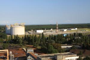 Gazoport, część lądowa w całej okazałości. Widok z latarni morskiej.