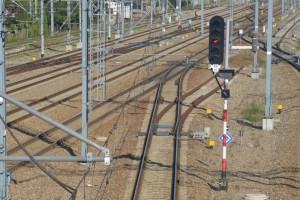 Walczą o skrócenie czasu jazdy na ważnej dla Polski linii kolejowej