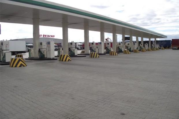 Zagraniczne sieci stacji paliw również usprawniają obsługę