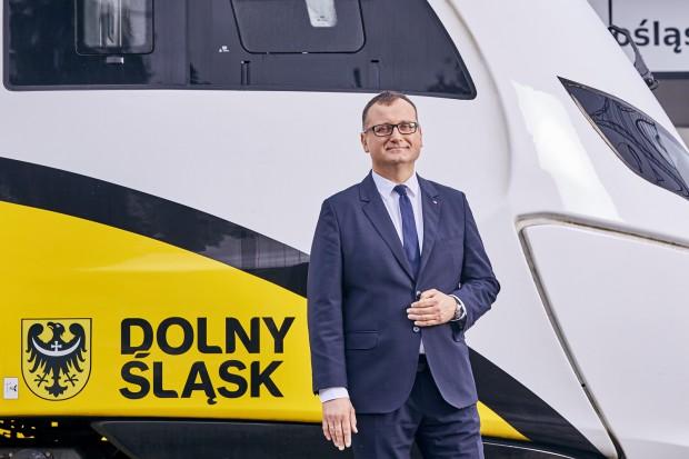 Na Dolnym Śląsku samorządowa spółka kolejowa wygrywa z prywatnymi autami