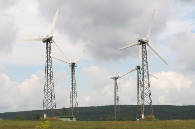 Czyżby zmiana kierunku? Dowiedz się, jak Ministerstwo Energii chce pomóc branży wiatrowej