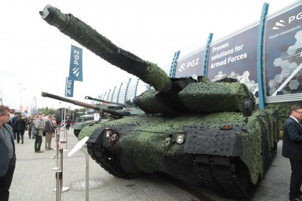 Czołg Leopard z kamuflażem.fot. Paweł Pawłowski