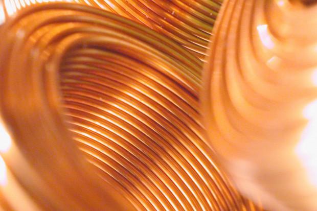 KGHM produkuje coraz więcej miedzi i srebra