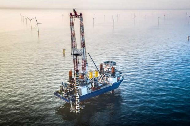 Giganci chcą stawiać w Polsce wiatraki na Bałtyku