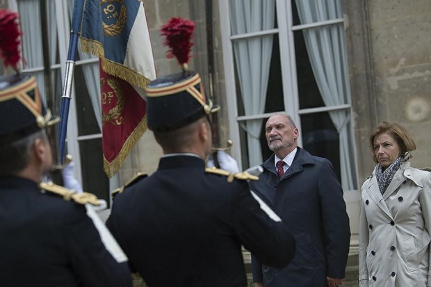 Macierewicz we Francji. Polska kupi francuskie okręty podwodne?