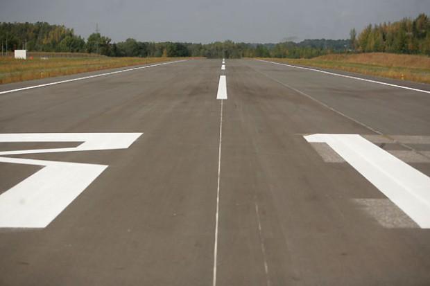 Dwie oferty na budowę pasa startowego na Krywlanach. Obie powyżej budżetu