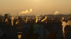 """""""Kopciuchy"""" się nie ukryją. Miasta mają nowy oręż w walce o czyste powietrze"""