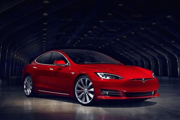 Tesla kończy z produkcją najtańszych wersji samochodów