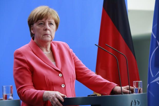 Angela Merkel w Niemczech wygrywa, ale i traci