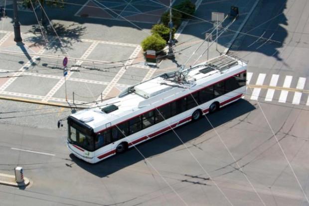 Elektryczno-wodorowy trolejbus Solarisa pojedzie do Rygi