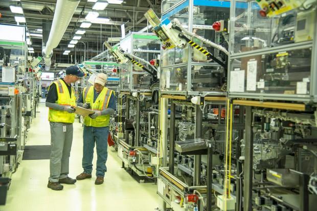 Toyota inwestuje 373 mln dolarów w produkcję silników hybrydowych w USA
