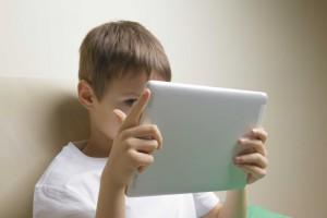 Jak chronić dzieci w internecie? UNICEF ma odpowiedź