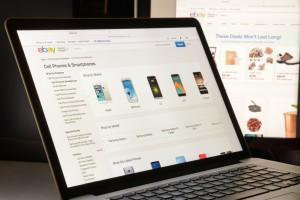 Gigant handlu elektronicznego zwalnia setki pracowników