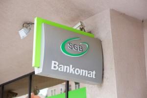 Banki; mniej oddziałów, mniej pracowników