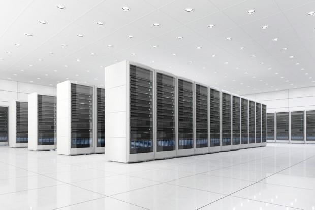 Indyjski miliarder zainwestuje w farmy serwerów