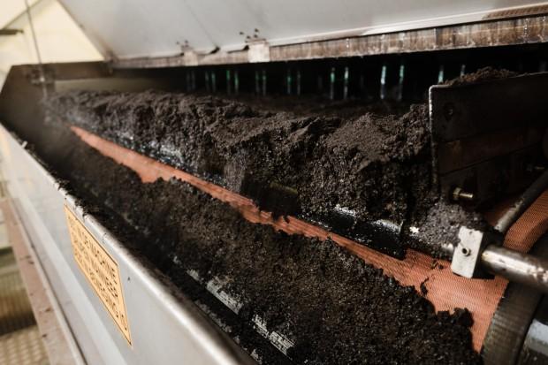 Veolia produkuje parę z fusów po kawie i odzyskuje polipropylen ze zużytych opakowań
