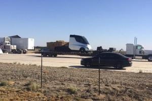 Wyciekło nagranie elektrycznej ciężarówki Tesli. Wygląda jak z filmu SF