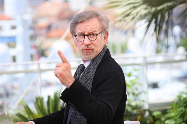 Apple nakręci serial we współpracy ze Spielbergiem