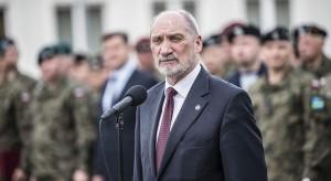 Były szef MON: Macierewicz nie powinien się tym chwalić