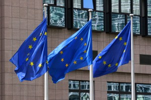 Unijna decyzja w sprawie emisji CO2 wzbudziła skrajne emocje