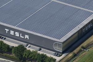 Tesla zwolni tysiące pracowników