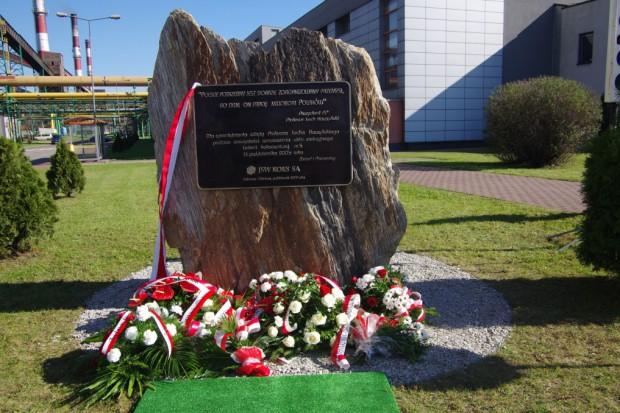 Przy Koksowni Przyjaźń odsłonięto tablicę upamiętniającą Lecha Kaczyńskiego