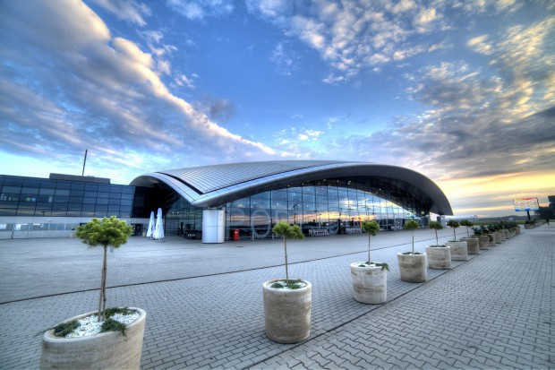 Na lotnisku w Jasionce uruchomiono darmowe ładowarki do telefonów
