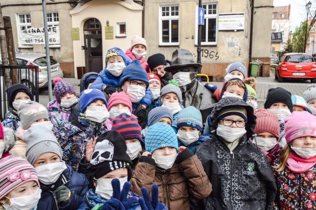 Przyszła zima a więc wzrosło zanieczyszczenie powietrza niską emisją