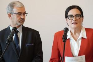 Wiceminister Jerzy Kwieciński i posłanka Izabela Kloc. Fot. PTWP (Andrzej Wawok)
