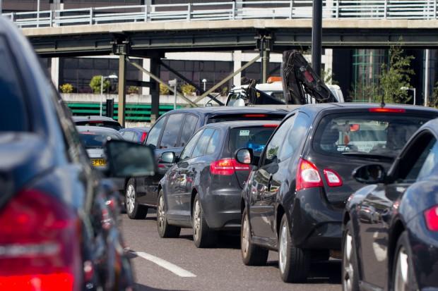 Większość państw UE za bardziej ambitnymi celami redukcji CO2 dla aut