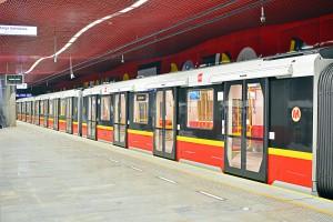 Gigantyczny przetarg na pociągi dla metra w Warszawie. Znamy już wszystkie oferty