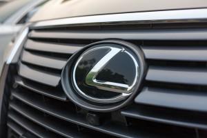 Jeździsz Lexusem? Możesz mieć problem
