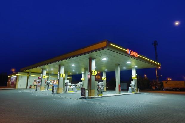 Grupa Lotos rozważa zakup sieci stacji w Polsce