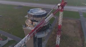 Tak powstaje najwyższa wieża kontroli lotów w Polsce [Wideo]