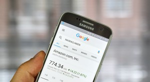 Właściciel Amazona coraz bogatszy, choć do rekordu Billa Gatesa jeszcze brakuje