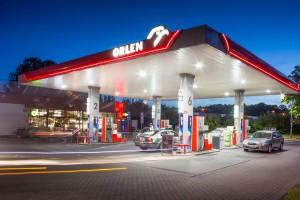 Największy dostawca paliw w Polsce rusza z budową sieci ładowarek
