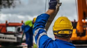 Ponad 18 tys. odbiorców w łódzkiem pozostaje bez prądu z powodu silnego wiatru