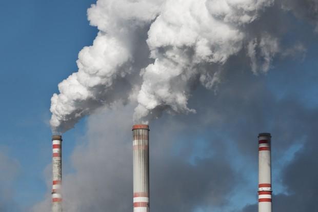 Emisja CO2 wzrosła po raz pierwszy od czterech lat