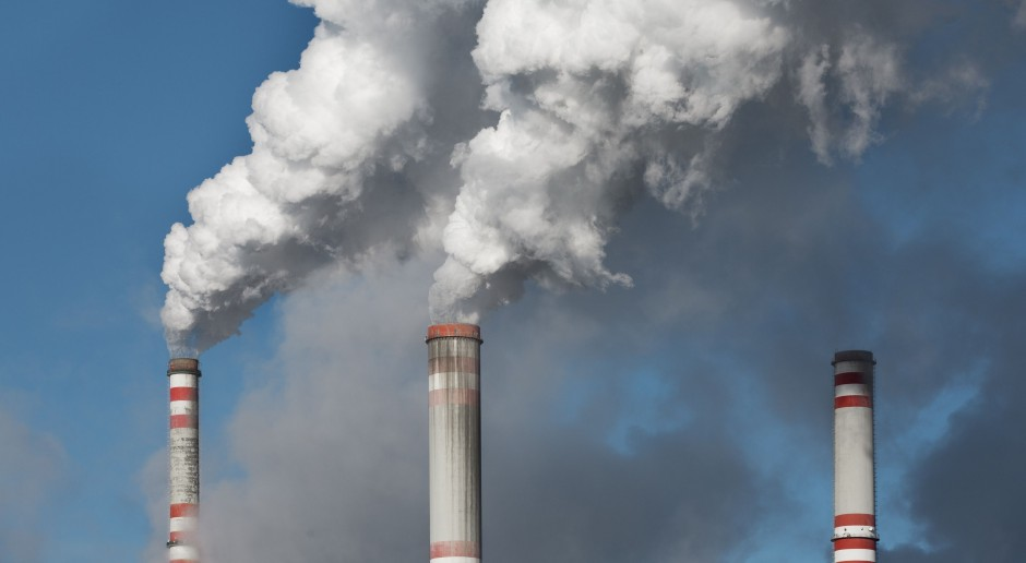 Cena uprawnień do emisji CO2 spadła o ponad 4 proc.