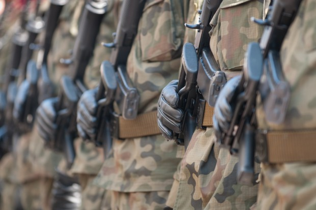 Żołnierze dorabiali do żołdu kradzieżą paliwa