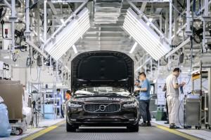 Silniki Volvo lepiej zniosą słabe paliwo. Nowa umowa z Castrolem