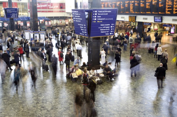 Biżuteria za milion funtów skradziona w brytyjskim pociągu