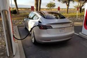 Tesla znacząco zwiększyła produkcję Modelu 3