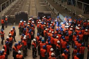 Tysiące Polaków mogą nagle stracić pracę. Plany giganta wzbudzają obawy