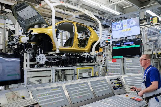 Volkswagen zainwestuje w fabryki niemal 23 mld euro