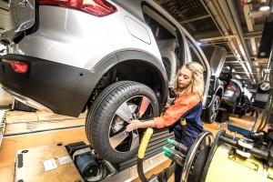 Volvo zaciska pasa przez wojnę handlową USA z Chinami i elektryki