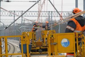 Pociągi pojadą pod prądem przez całą Polskę. Rusza ważna inwestycja